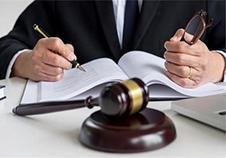 发生交通事故,什么时间请律师最合适?